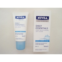 Nivea Visage Light Moisturising Cream SPF 15 50mL